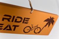 Schild - After Ride Retreat